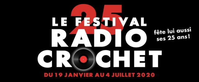 Tenter sa chance au radio crochet